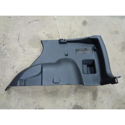 Обшивка багажника правая Suzuki Escudo, TDA4W, TDB4W