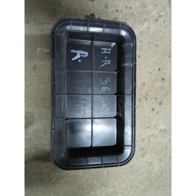 Заглушка вентиляции багажника правая Toyota Harrier, 2006, 30 кузов
