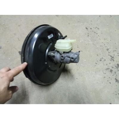 Усилитель тормозов с главным тормозным цилиндром