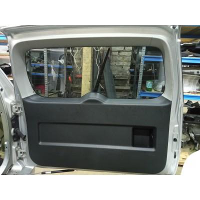 Обшивка двери багажника комплект Suzuki Escudo, 2008, TDA4W, TDB4W