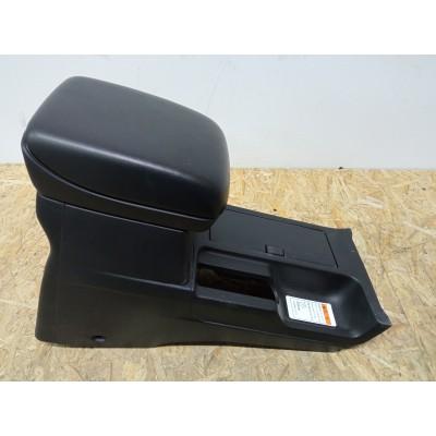 Бардачок между сиденьями Suzuki Escudo, TDA4W, TDB4W